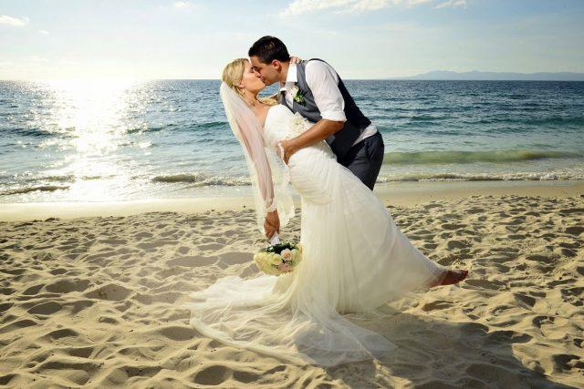 Real Weddings at Garza Blanca Resort & Spa, Puerto Vallarta