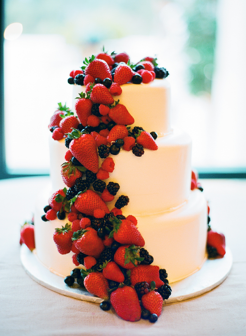 wedding cake with fruit filling what you need to about wedding cakes affair 26898