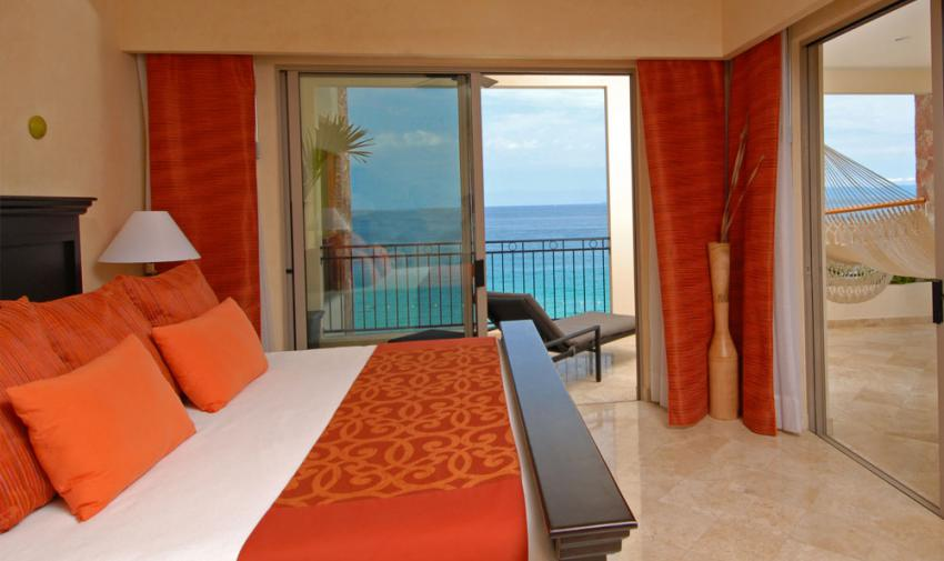 Honeymoon Suite at Garza Blanca
