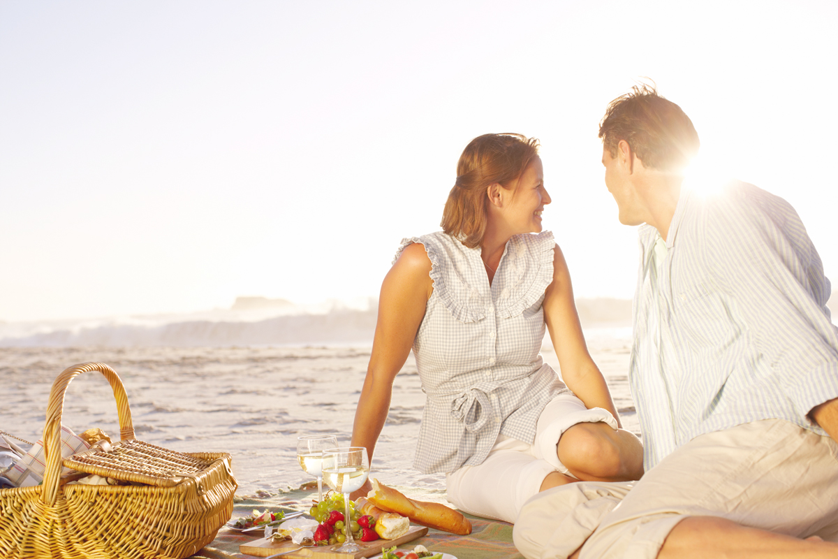 Plan a romantic picnic